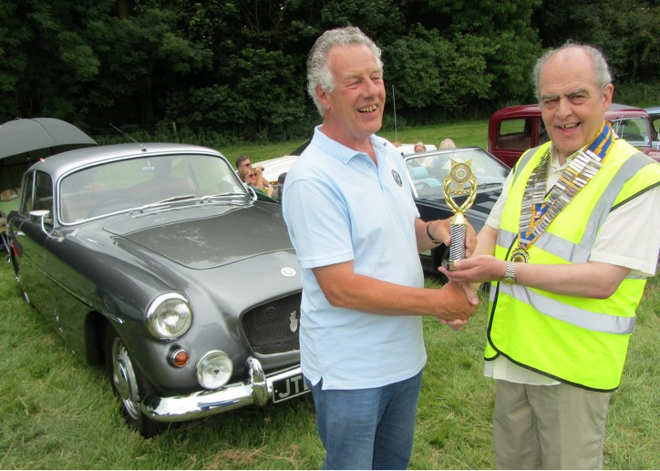 The award for 'Best Car' being presented by Chesterfield Rotary president Mike Cudzich-Madry to owner David Mann (left)