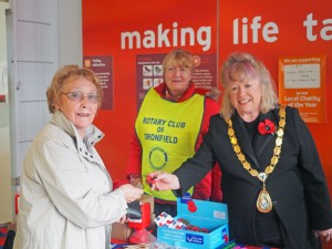 Dronfield Mayor Liz Blanchard helping out at the appeal